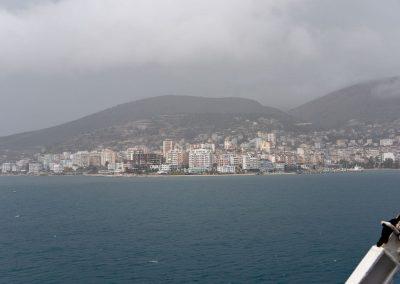 Saranda, Albanien in tristem Grau