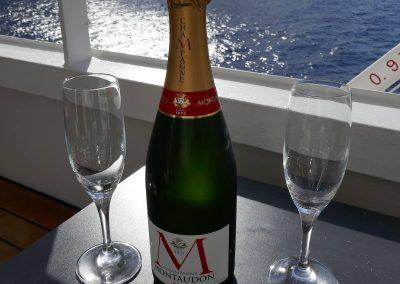 Ein letztes Glas Champagner auf der Amadea