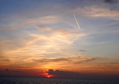 Ein letzter Sonnenuntergang auf dem Meer